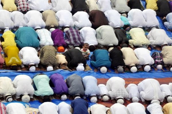 Lucknow, Namaz on the road, Muslim Personal Law Board